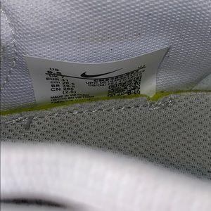 Nike Shoes - NIKE renew's